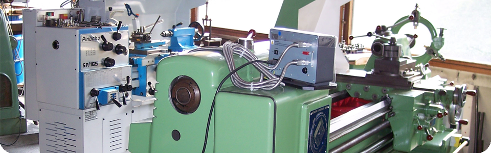 An old-school diffractometer